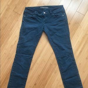 Level 99 cropped blue jean
